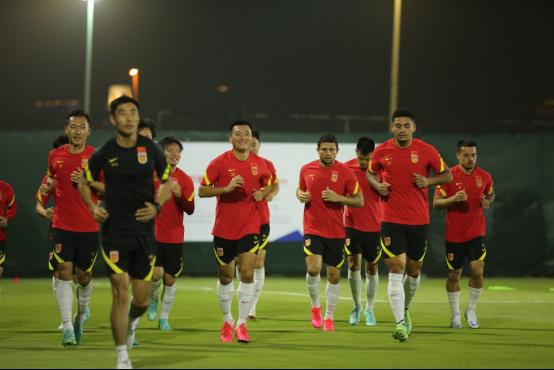 李铁:希望球员们能够享受与叙利亚队的比赛368.png