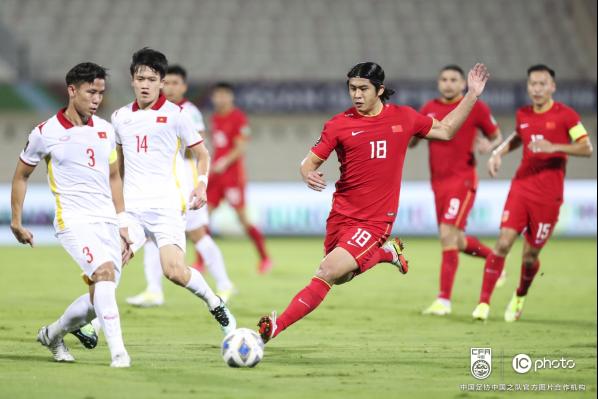 中国队3-2战胜越南队 取得12强赛首胜408.png